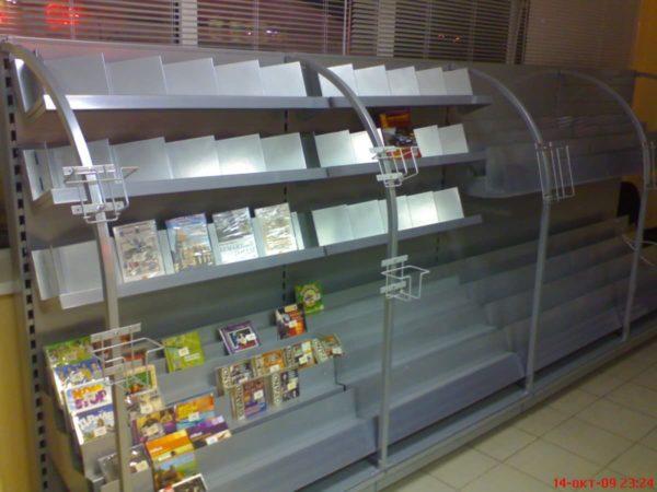 Стеллаж для продажи книг и CD/DVD дисков