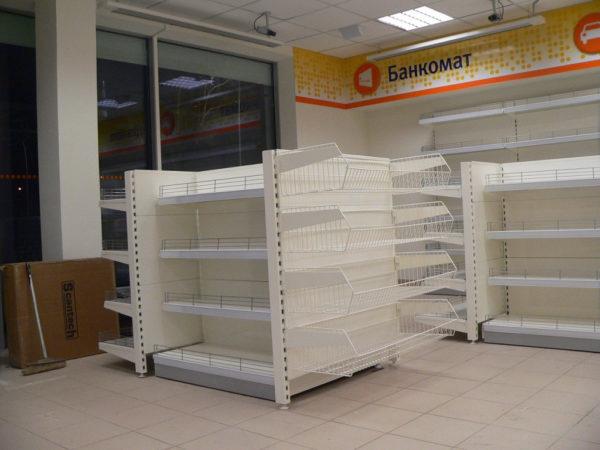 Стеллаж с сетчатыми корзинами без фриза пристенный с сетчатыми корзинами для стройматериалов в Казани по цене 6515 руб