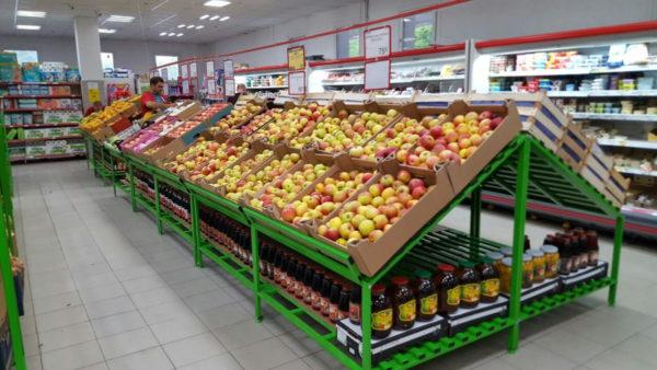Овощной стеллаж развал с большим накопителем в Казани по цене 19876 руб